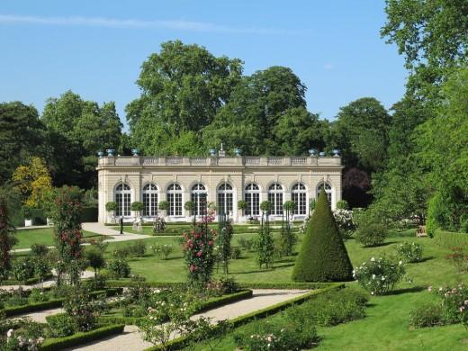 L'orangerie, showing the civilized nature of the Bois de Boulogne