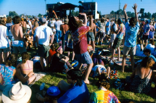 Followers of the Grateful Dead followed the band to different locations throughout the country.