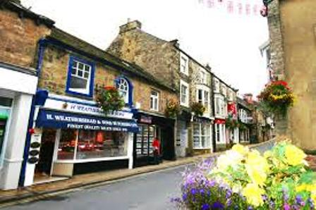 Nidderdale, market town at the 'throat' of  Upper Nidderdale. Undulating and hilly ground between here, Harrogate and Knaresborough where the Nidd follows through a steeply sided gorge