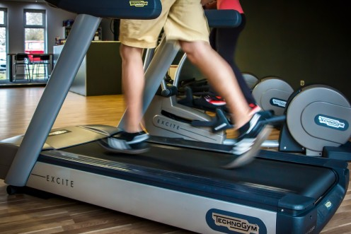 Run on a treadmill for one minute at your fastest possible speed (do not hold on).