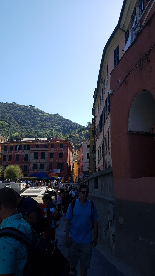 way to The Piazza from the harbor of Vernazza