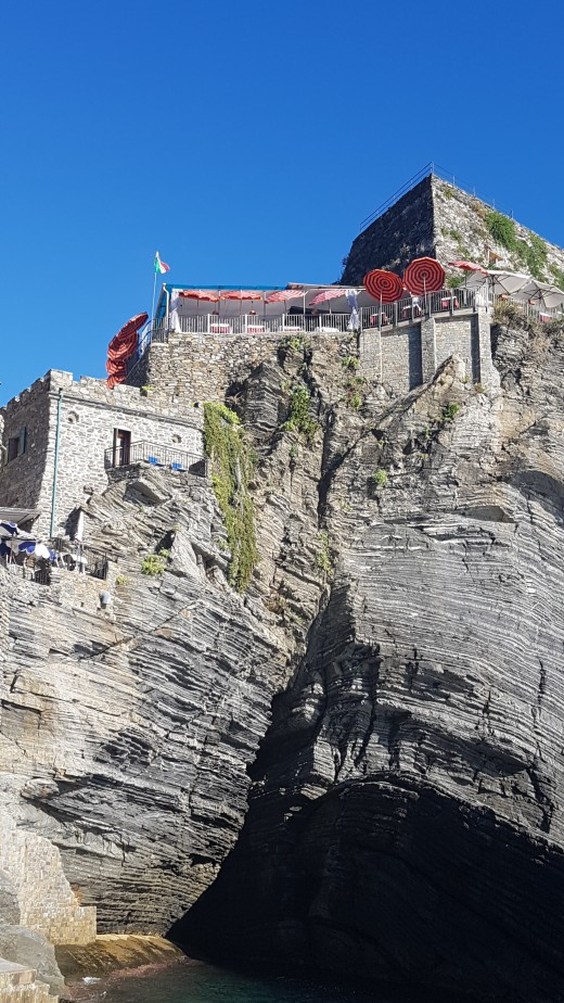 Boat Tour Vernazza, Cinque Terre - The Doria Castle on the rock cliff