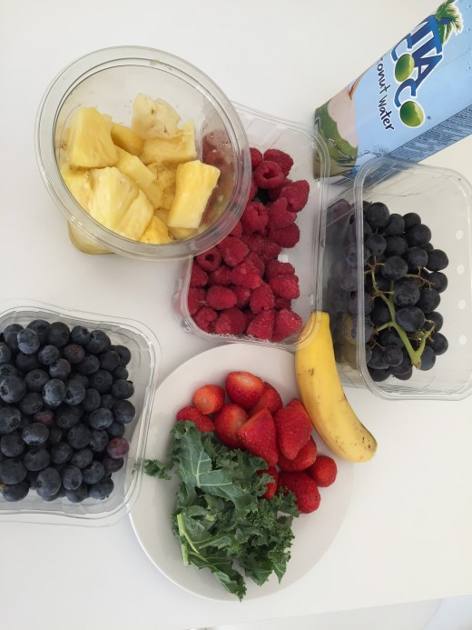 Kale,pineapples and berries are loaded with antioxidants that reduce inflammation