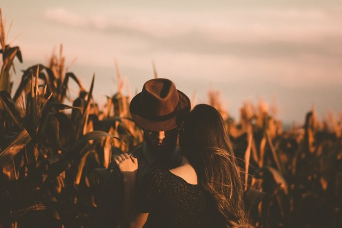 Watch for these red flags in relationships