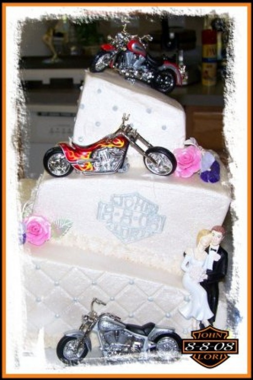 whats a biker wedding with out a cake full of motorcycles