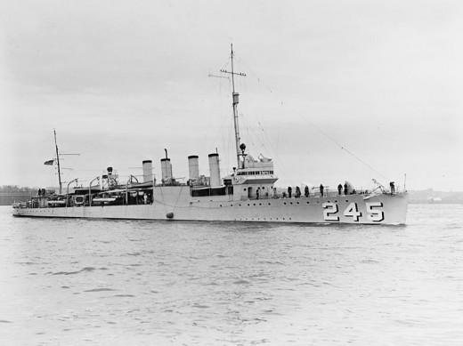 The U.S. Navy destroyer USS Reuben James (DD-245) on the Hudson River, New York (USA), on 29 April 1939.