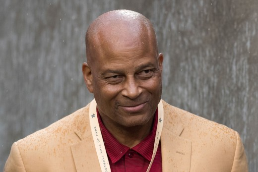 Ronnie Lott was a force to be reckoned with on defense.