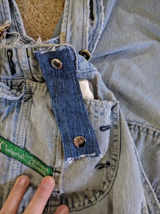 Cellphone secured in pocket.