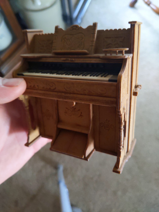 An organ mom had me build, from a kit, in the 1970's.