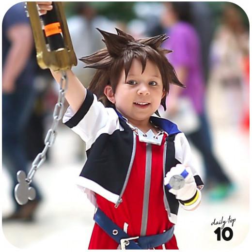 Cute anime kid cosplay.