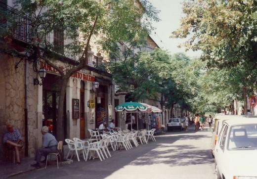 Another street scene in Valldemossa