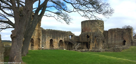The ruins of Barnard Castle - reduced during the Civil War against Charles I by Cromwell's cannon (another era of religious turmoil)