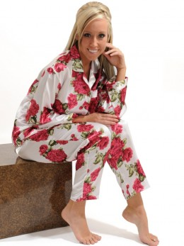 Traditional floral prints never go out of style in womens pajamas!