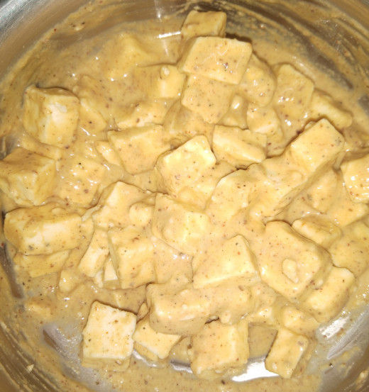 Mix properly so that paneer gets proper coating of batter.