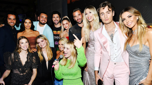 The cast of The Hills: New Beginnings get together.