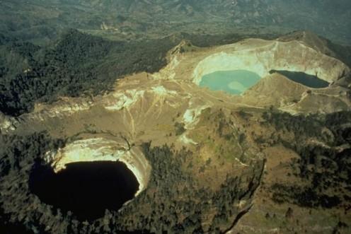 Kelimutu lakes