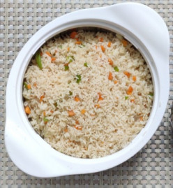 A Simple and Delicious Veggie Fried Rice