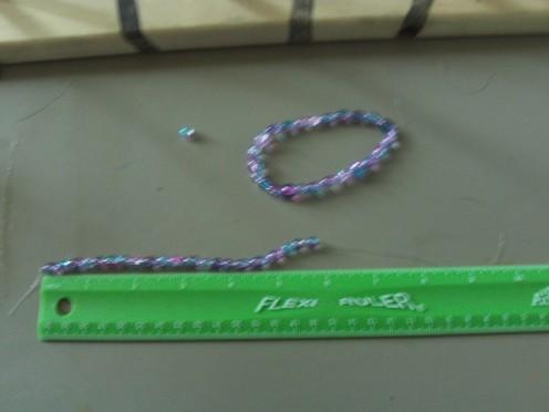 Make the second bracelet.