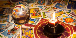 6 Common Pitfalls of Reading Tarot for Yourself