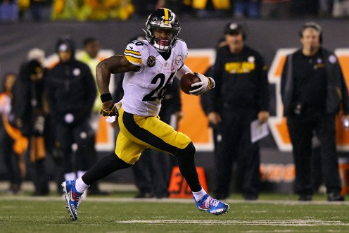 Le'Veon Bell was one of the best Steelers running backs of all time.