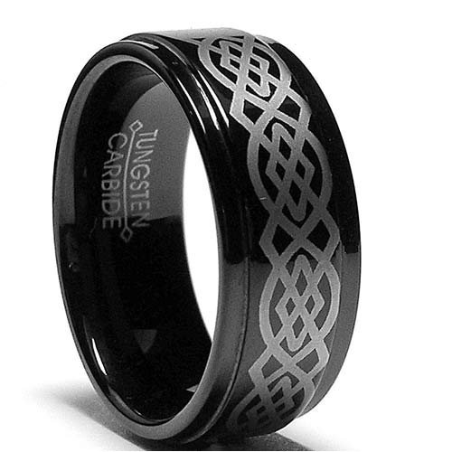 Example of a Celtic ring with a knotwork pattern. Note that it isn't an engagement ring (click to enlarge)