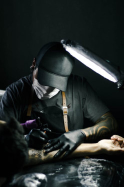 Fit to Become a Tattoo Artist? Here's Advice From an Experienced Tattoo Artist From Montebello