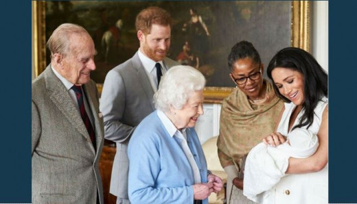Royal family greets Archie