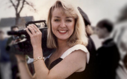 A loved news celebrity, Jodi Huisentruit's disappearance has haunted Mason City, Iowa, for over two decades.