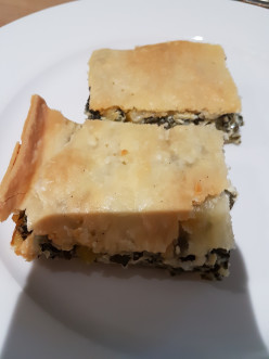 How to Make an Easy Greek Spinach and Fetta Pie (Spanakopita) Recipe