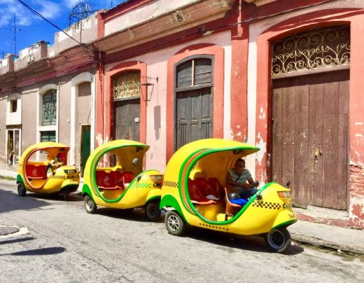 Cocotaxies in Centro Havana.