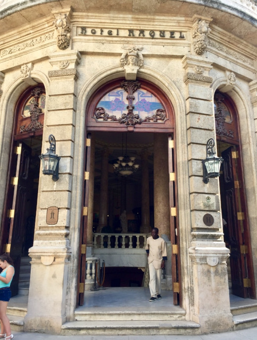 Hotel Raquel in Habana Vieja was designed by the Venezuelan architect Naranjo Ferrer and built at the beginning of the 20th Century. The exterior is Baroque, and the interior is Art Nouveau.