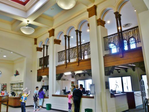 Houston Heights Neighborhood Library Interior View