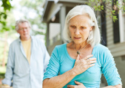 One Month Before a Heart Attack, the Body Warns Through 8 Symptoms