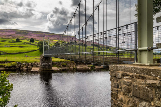 Closer - sidelong view of the suspension bridge