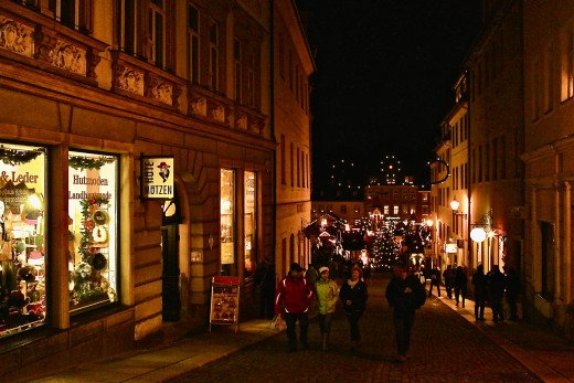 The streets around the Weihnachtsmarkt in Annaberg