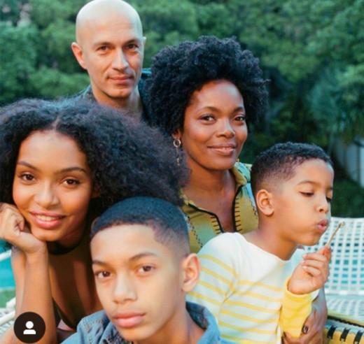 Yara Shahidi with her beautiful family