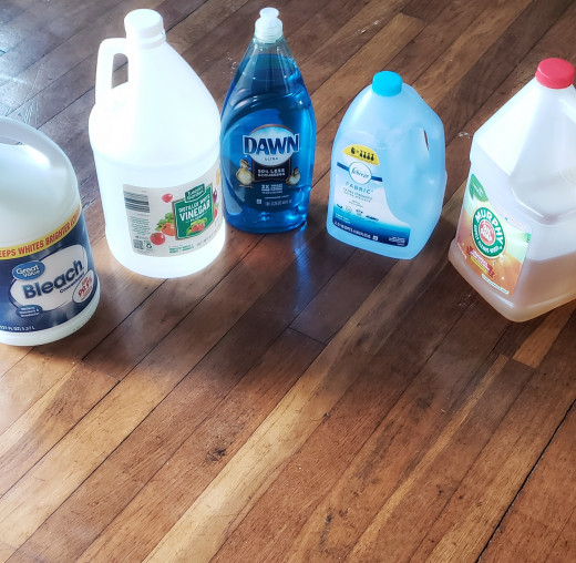 I always have these cleaning supplies on hand.