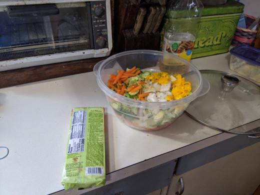 Bowl of cut vegetables