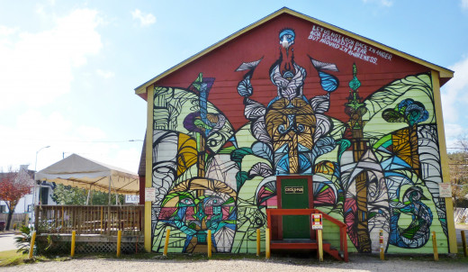 Daniel Anguilu painted Cecil's Pub – Entire side of this building