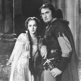 Olivia and Flynn in 'Robin Hood'
