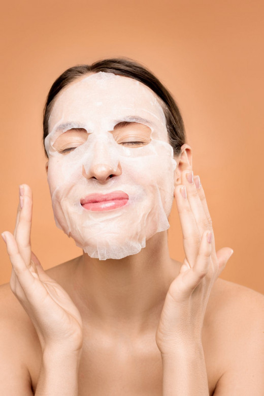 Face mask for deep hydration.