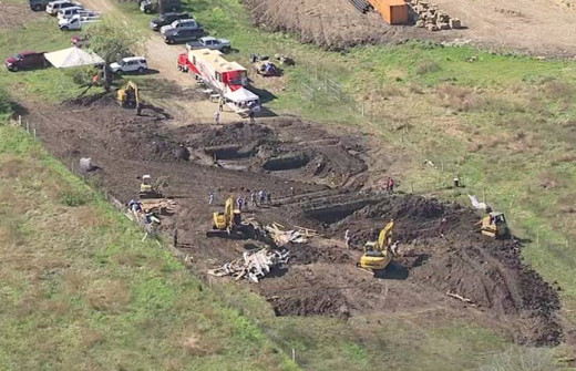 Investigators at the dig site outside of Houston searching for the remains of Jessica Cain, who vanished on August 17, 1997.