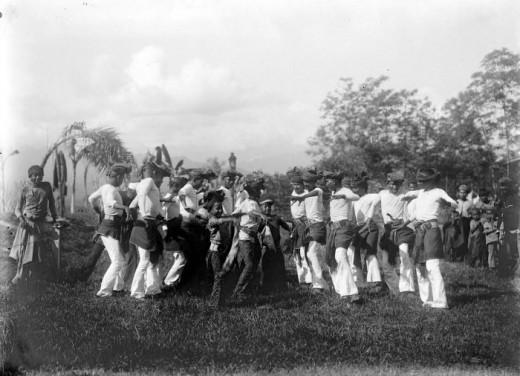 Dancers performing sedati