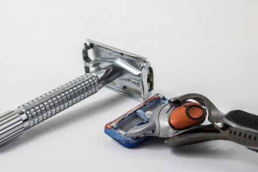 Used correctly, you can avoid shaving over unlathered skin with the safety razor on the left. Such is not the case with the multiblade cartridge razor on the right.