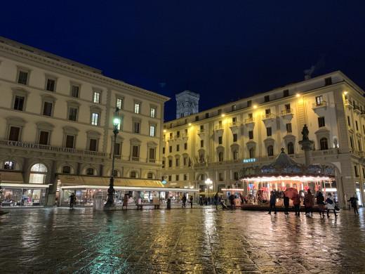 Piazza della republica- Lifetime Traveller