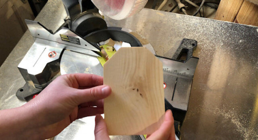 1x4 Yellow Pine lumber is what I use for building birdhouses.