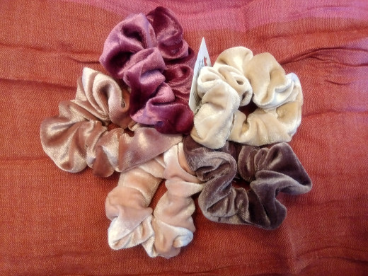 I found these scrunchies in a local store recently. Can't wait to wear them!