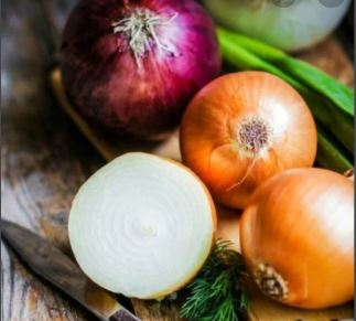 Onion restores the hair's natural color.