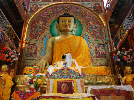 The 28  ft golden Statute of Lord Buddha