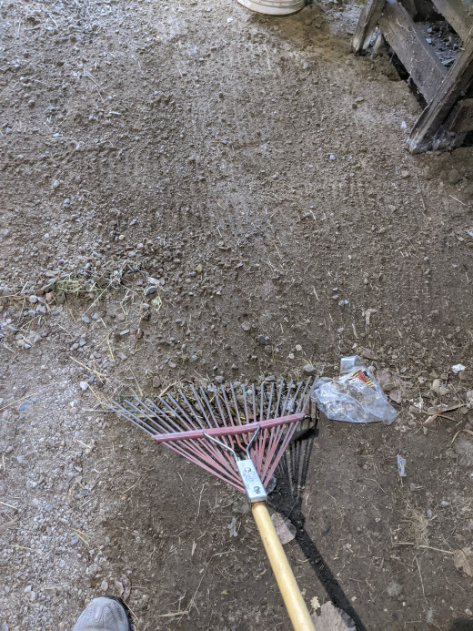 Keep clutter with the rake